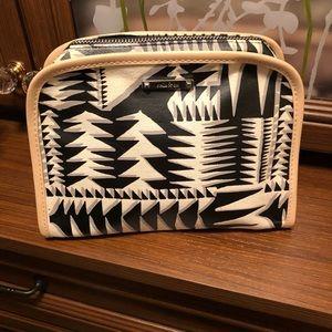Stella & Dot Beauty Bag Tribal Geo Print